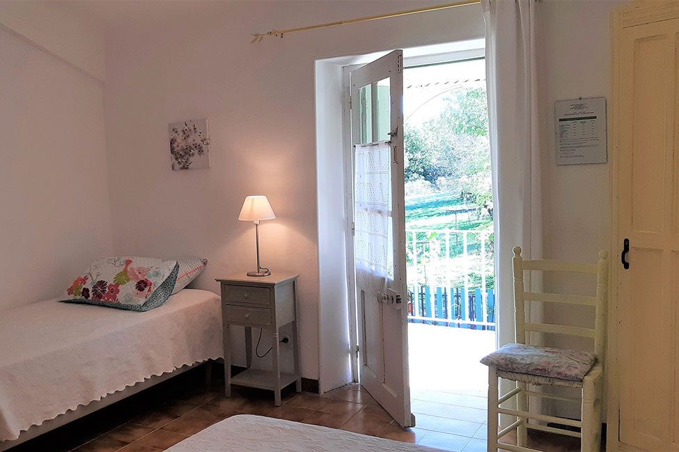 chambre hote ferme ales - Bed and Breakfast near Anduze with pool  | Les Hirondelles