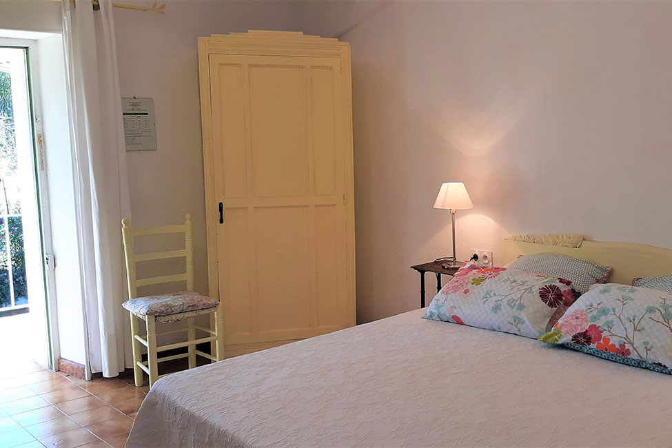 chambre hote piscine gard - Bed and Breakfast near Anduze with pool  | Les Hirondelles