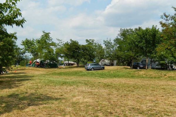 Places on farm campsite in Alès Cevennes