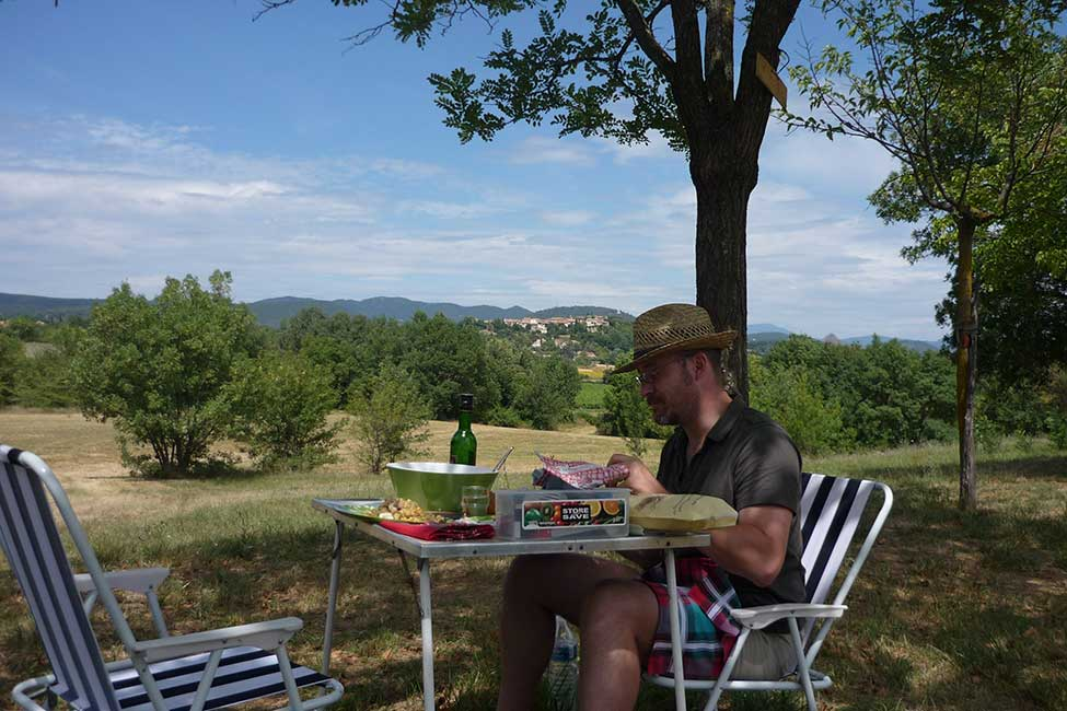 Picnic in rural camping with view near Anduze