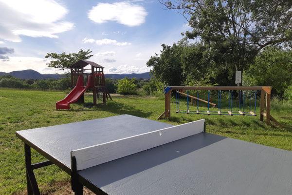 ping pong aire naturelle 600x400 - Aire naturelle de camping | Photos