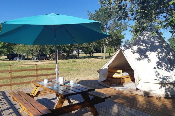 tipi camping location 600x400 - Tente ecolodge France | Tente tipi | Glamping Cevennes